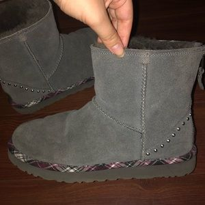 Ugg Shorts Boots in Gray and Purple Plaid!